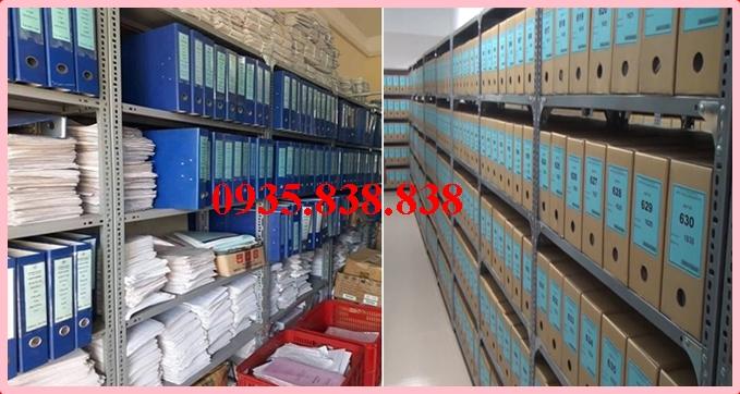 Thép v lỗ được sử dụng làm kệ chứa hồ sơ tài liêu